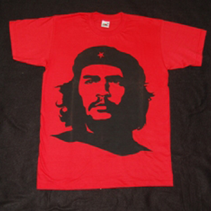 T-Shirt: Che Guevara, black on RED